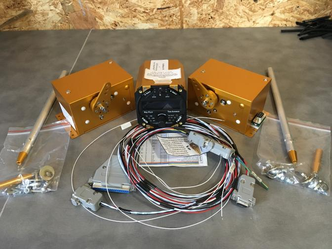 Autopilot trio avionics 2 axes